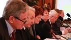 Siedmioro radnych opozycyjnych zbojkotowało część głosowań