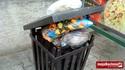 Jeden z miejskich koszy na śmieci