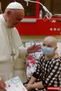 Sara Nizioł w szpitalu z papieżem Franciszkiem