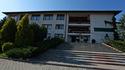 Centrum Kształcenia Zawodowego i Ustawicznego w Łapanowie mieści się w budynku dawnego Zespołu Szkół im. Jana Pawła II w Łapanowie