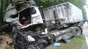 Borzęcin: czołowe zderzenie ciężarówek, jedna osoba zginęła
